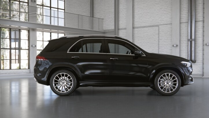 Mercedes-Benz GLE 400 d 4MATIC Luxury (197)черный обсидиан (505)Кожа Exclusive Наппа, бежевый маккиато / серая магма